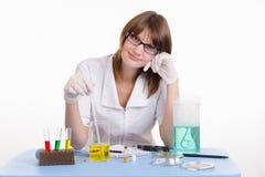 O farmacêutico impede a medicamentação Fotos de Stock Royalty Free