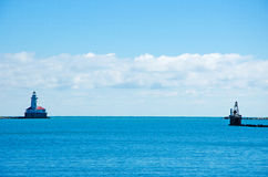 O farol do porto de Chicago visto do cais da marinha o 22 de setembro de 2014 Fotografia de Stock Royalty Free