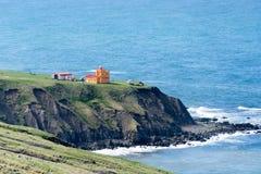 O farol remoto de Saudanes em Islândia do norte Fotos de Stock Royalty Free