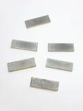O fechamento magnético da placa do retorno para o armário de vidro da porta Metal dentro Fotografia de Stock Royalty Free