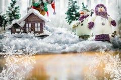 O Feliz Natal carda com bonecos de neve felizes Fotos de Stock Royalty Free