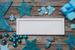 O Feliz Natal carda em colores do branco e da turquesa Imagens de Stock