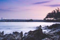 O feriado do curso da praia da paisagem relaxa o recurso do fundo fotos de stock royalty free