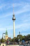 O Fernsehturm (torre da tevê) em Berlim, Alemanha Foto de Stock