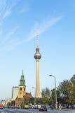 O Fernsehturm (torre da tevê) em Berlim, Alemanha Foto de Stock Royalty Free