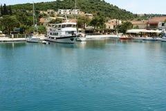O ferryboat em um porto Imagem de Stock Royalty Free