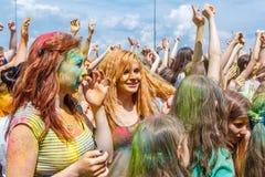 O festival anual das cores ColorFest imagem de stock royalty free