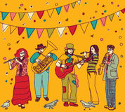 O festival de música embandeira a cor dos músicos do grupo Fotografia de Stock