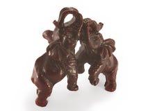 O figurine de um par de elefantes, mogno. Imagens de Stock