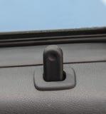 O fim acima do indicador preto da fechadura da porta do carro Imagem de Stock