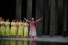 O fim da chamada- da cortina do ator de eventos do drama-Shawan da dança do passado Fotografia de Stock