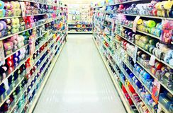 O fio faz crochê a ilha de confecção de malhas na loja do ofício Fotos de Stock
