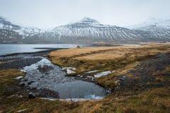O fiorde do leste de Islândia do leste fotos de stock royalty free