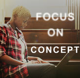 O foco no alvo do concentrado do alvo determina o conceito Imagens de Stock Royalty Free