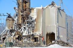 O fogo das consequências destrói o moinho fotos de stock