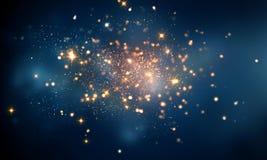 O fogo sparkles na obscuridade - fundo azul do bokeh Fotos de Stock