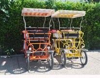 O Fourseater bicycles a laranja/amarelo Imagens de Stock