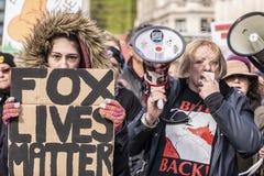 O Fox vive a matéria, protesto da caça fotos de stock royalty free