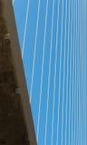 O fragmento de um cabo ficou a ponte Fotos de Stock Royalty Free