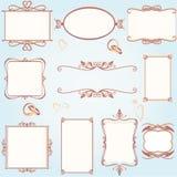 O frame ornamentado do vintage ajustou-se com anéis de casamento Fotografia de Stock Royalty Free