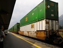 O frete Railroads o transporte, trem do recipiente Foto de Stock