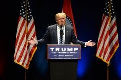 O Frontrunner republicano Donald Trump endereça suportes Imagem de Stock