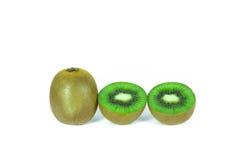 O fruto de quivi cortou segmentos nos wi brancos do fundo Foto de Stock