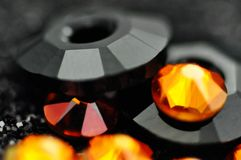 O fundo abstrato com vidro e os cristais projetam foto de stock royalty free