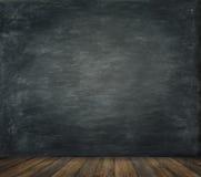 O fundo de madeira do assoalho da parede do quadro-negro, educa a placa preta Imagens de Stock