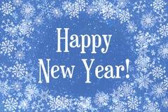 O fundo do Natal é azul com flocos de neve brancos Inscrição do ano novo feliz, cartão ilustração royalty free