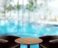 O fundo do tampo da mesa e a associação de madeira 3d rendem Fotografia de Stock Royalty Free