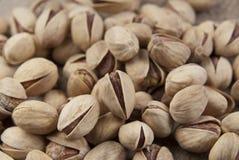O fundo faz dos pistachios de sal Fotografia de Stock Royalty Free