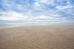 O fundo vazio do mar e da praia com texto copia o espaço Imagem de Stock Royalty Free