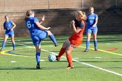 O futebol das mulheres do NCAA DIV III da faculdade Fotos de Stock Royalty Free