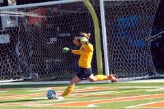 O futebol das mulheres do NCAA DIV III da faculdade Imagem de Stock Royalty Free