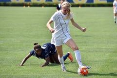 2015 o futebol das mulheres do NCAA - Villanova @ WVU Fotografia de Stock Royalty Free