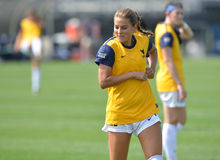 2015 o futebol das mulheres do NCAA - Villanova @ WVU Foto de Stock