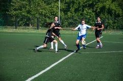 O futebol do jogo das meninas Imagens de Stock Royalty Free