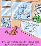 O gato precisa um injetor de lutar fora cães Imagem de Stock Royalty Free