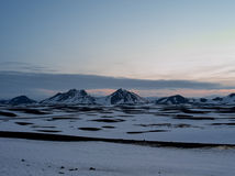 O gelo cobriu montanhas na ilha ocidental norte Imagens de Stock Royalty Free