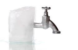 O gelo com congelado água-bate Fotos de Stock Royalty Free