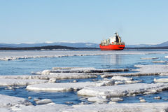 O gelo marinho é destruído na mola Imagem de Stock Royalty Free