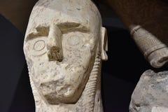 O Giants do ` e Prama de Mont é esculturas de pedra antigas criadas pela civilização de Nuragic de Sardinia, Itália imagens de stock royalty free