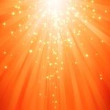 O Glitter stars a descida em feixes de luz Fotos de Stock Royalty Free