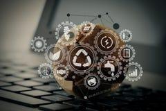 o globo de madeira da textura com meios sociais diagram no cálculo do portátil ilustração stock