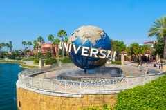 O globo famoso nos parques temáticos universais em Florida Fotografia de Stock Royalty Free