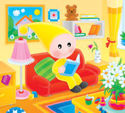 O gnome pequeno lê o livro Imagem de Stock