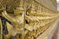 O Goden Garuda no templo de Emerald Buddha & do x28; Wat Phra Kaew & x29; , BANGUECOQUE, TAILÂNDIA Fotografia de Stock Royalty Free