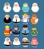 O grande grupo de povos da carreira profissional na boneca do matryoshka dá forma Imagens de Stock
