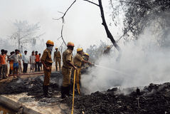 O grande incêndio estoira no precário de Kolkata Imagem de Stock Royalty Free